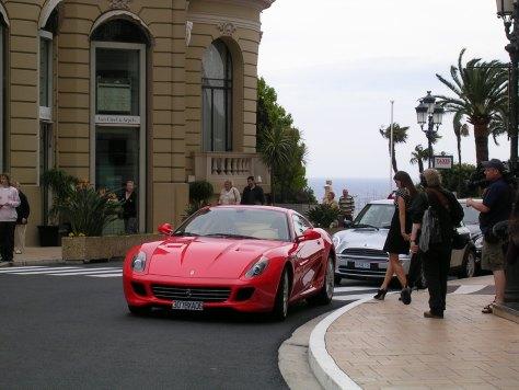 Ferrari frente o Gran Casino. Mónaco