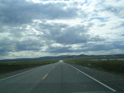 Estrada E6 entre Russenes e Alta