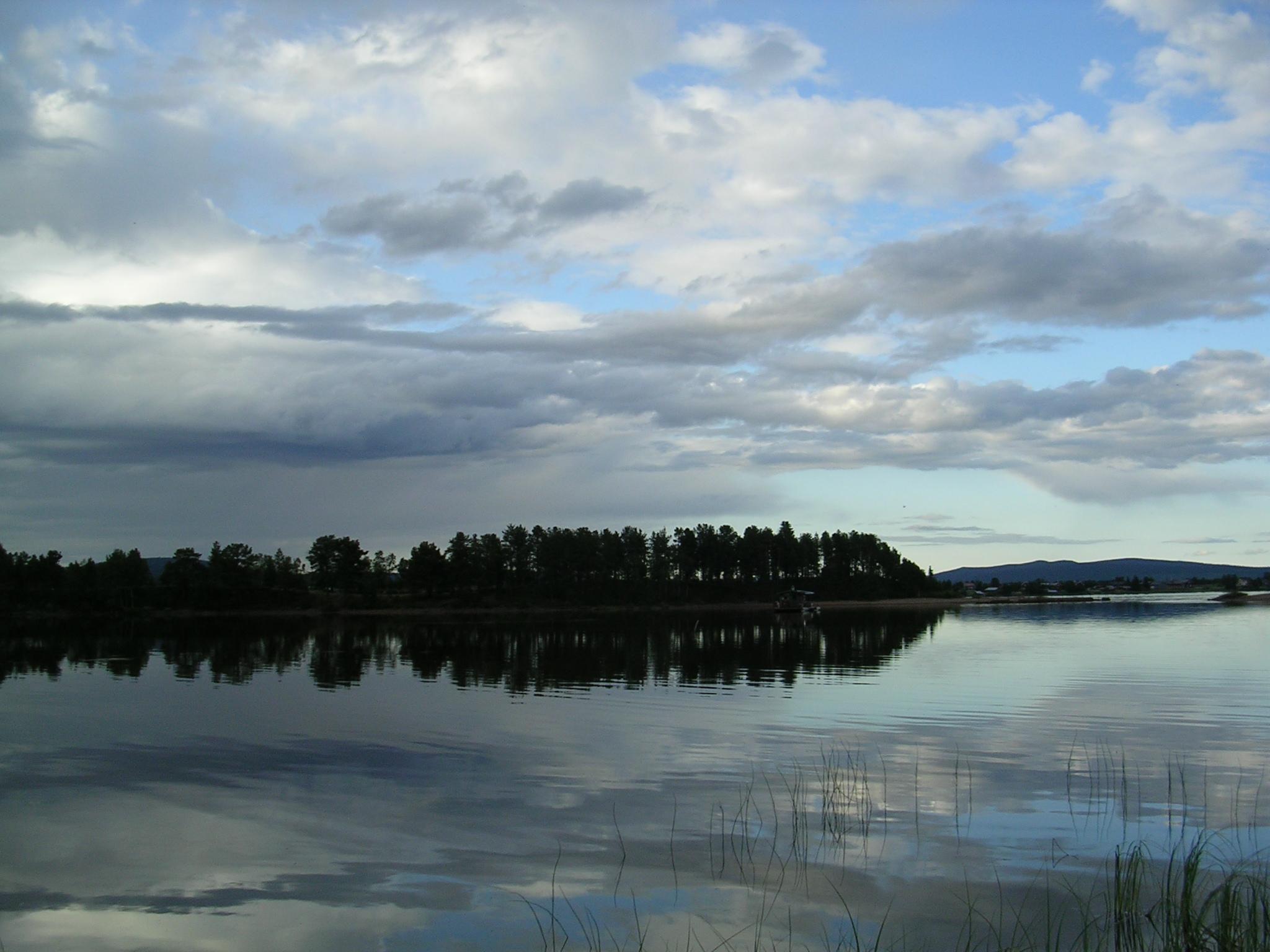 Lago en Jukkasjärvi (Suecia)