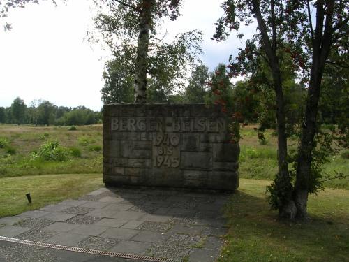 Entrada ó campo de concentración de Bergen-Belsen (Alemaña)
