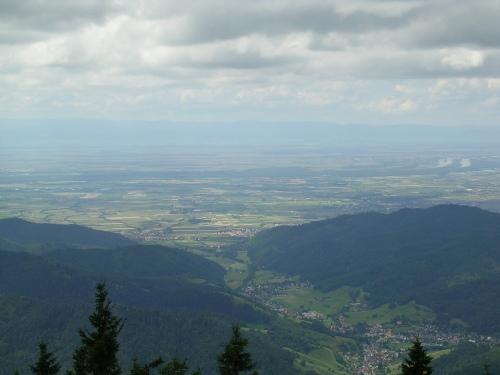 O Rhin e a Alsacia dende o cumio do monte Belchen. Selva Negra (Alemaña)