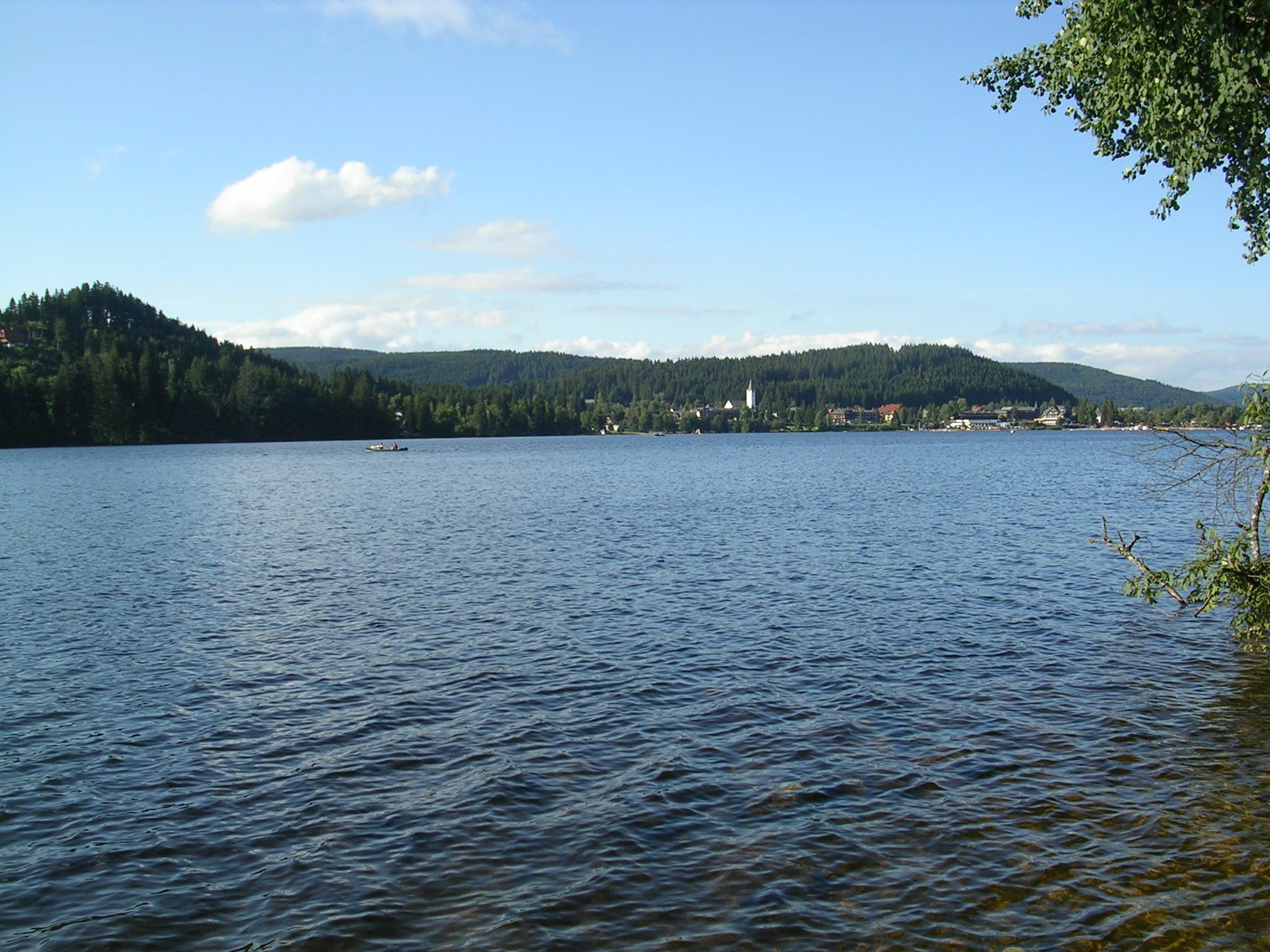 Titisee e o seu lago. Selva Negra (Alemaña)