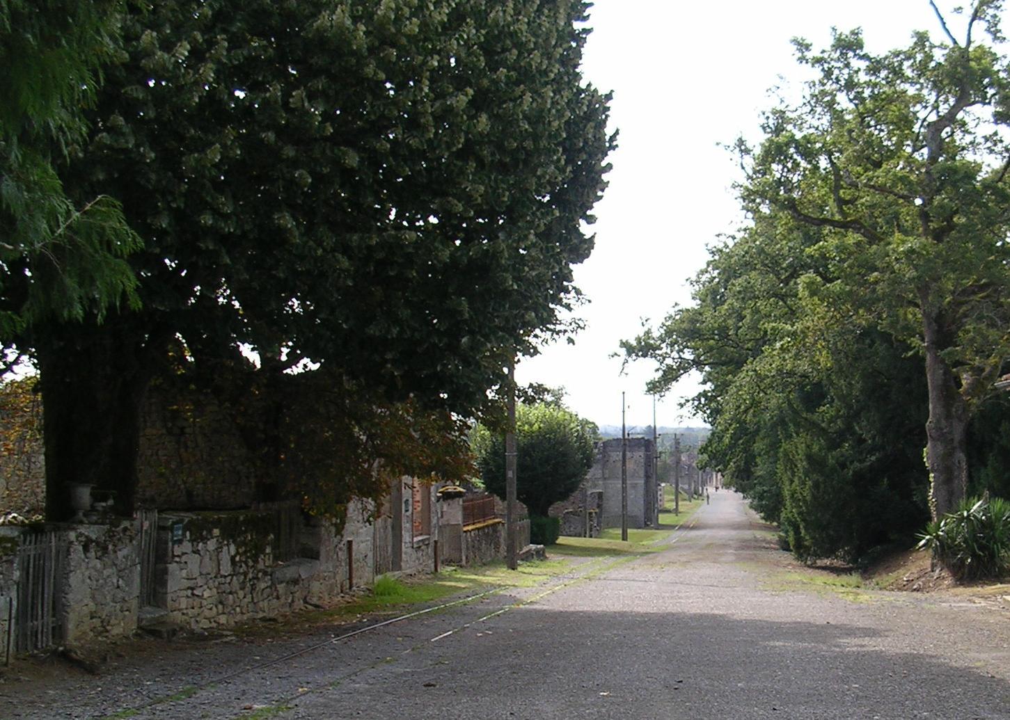 Ruinas do antigo emprazamento de Oradour Sur Glane