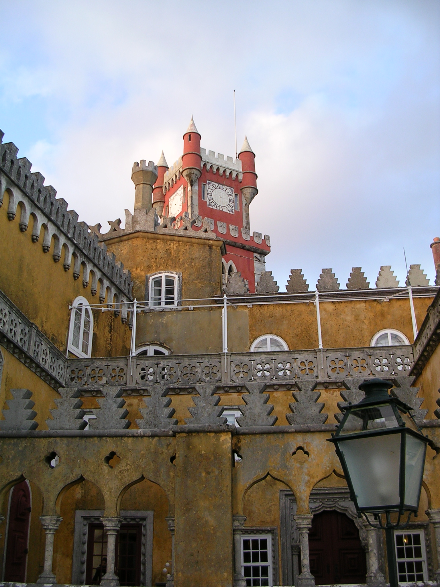 Patio do Palacio de Pena. Sintra