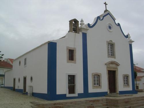 Ericeira. Igrexa no Largo de Santa Marta