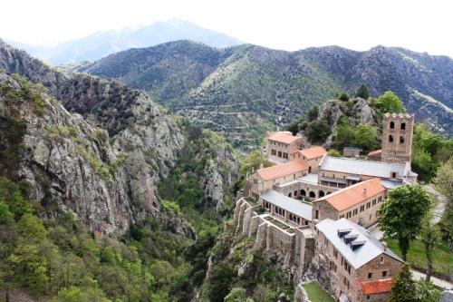 Abadía de Sant Martí del Canigó