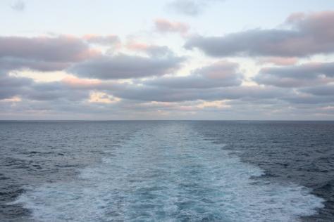 El mar, en algún punto del trayecto entre Bilbo y Portsmouth