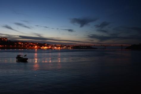 Ribadeo e a Ponte dos Santos, dende Castropol