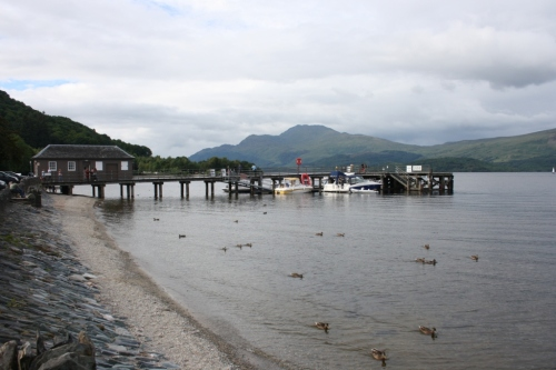 Loch Lomond en Luss, en el Trossachs National Park