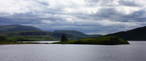 Ardvreck Castle en el Loch Assynt