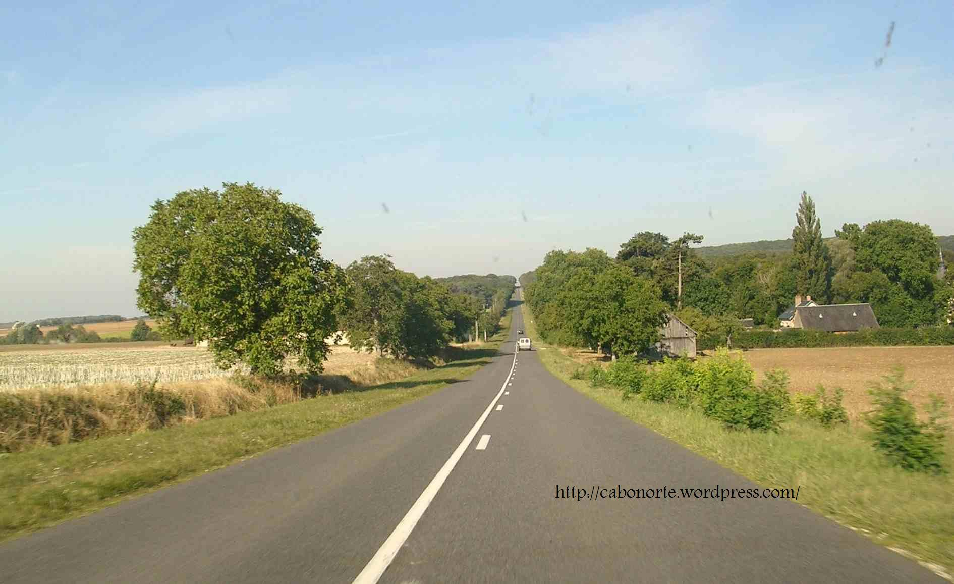 Carretera nacional en la región de Borgoña. Agosto de 2005