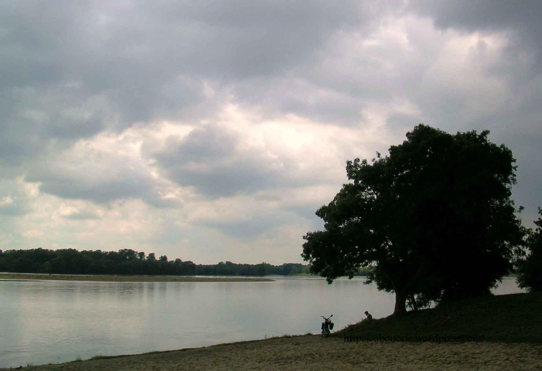 Pescando en el Río Loira. Agosto 2007