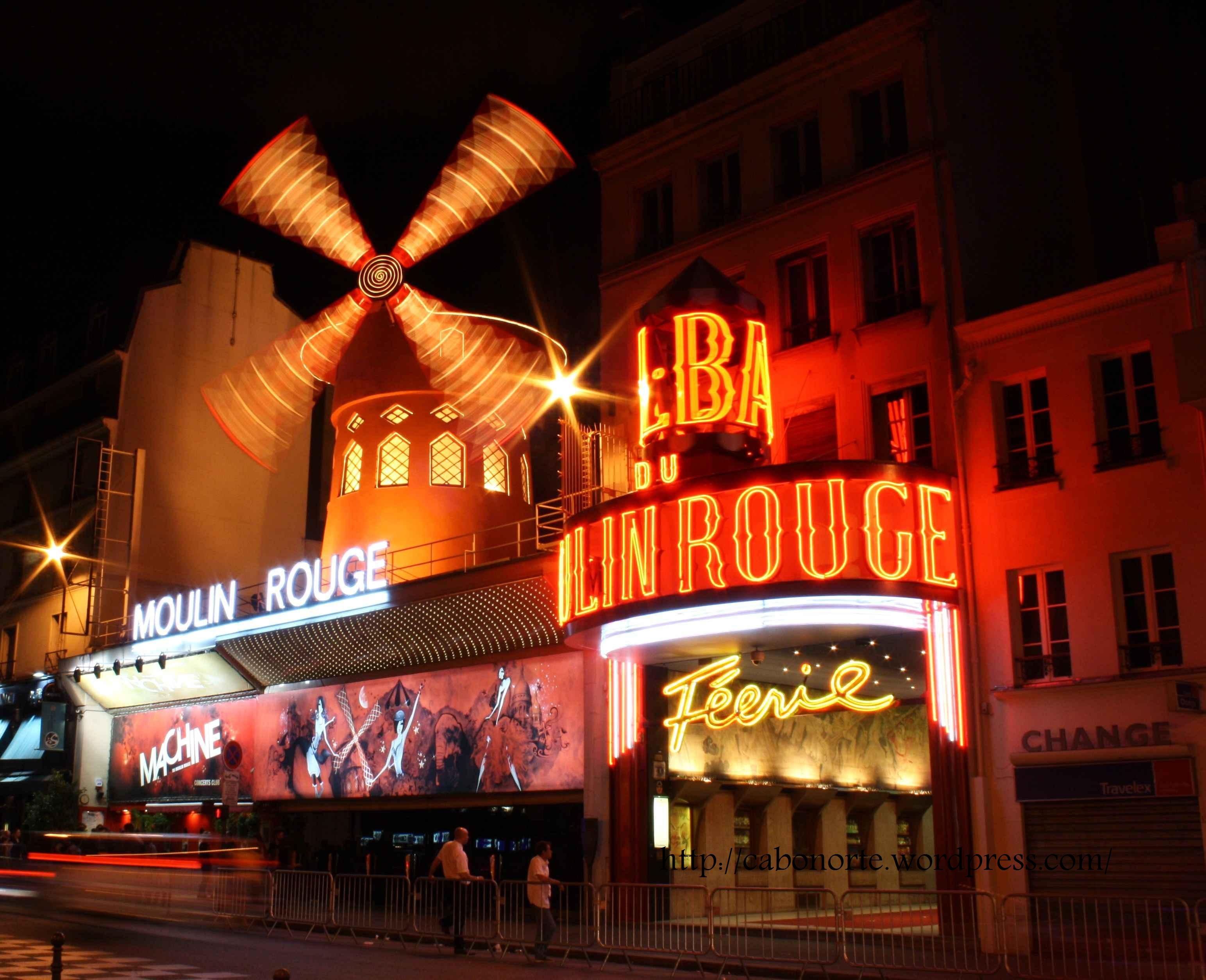 Le Moulin Rouge. París. Julio de 2010