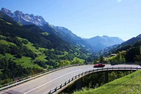 Carretera en Suiza