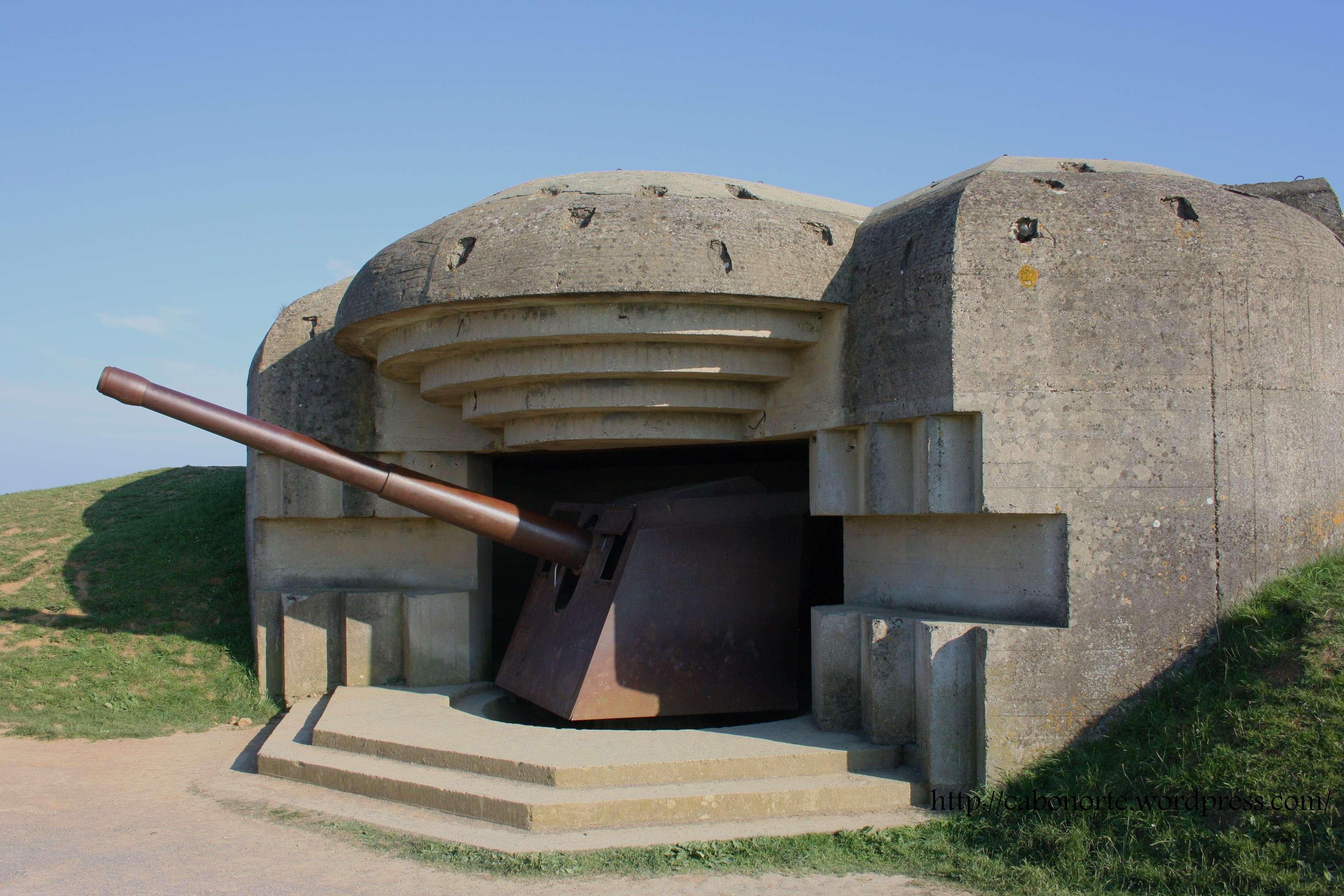 Batería de cañóns en Longues-sur-mer, Normandía