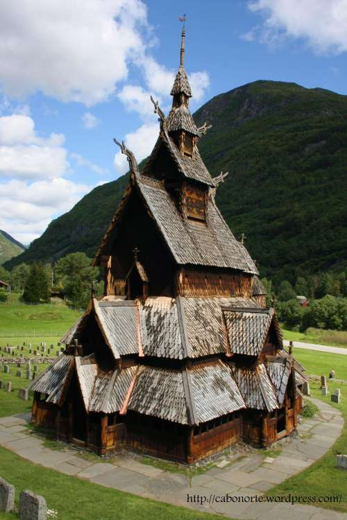 Igrexa de madeira de Borgund