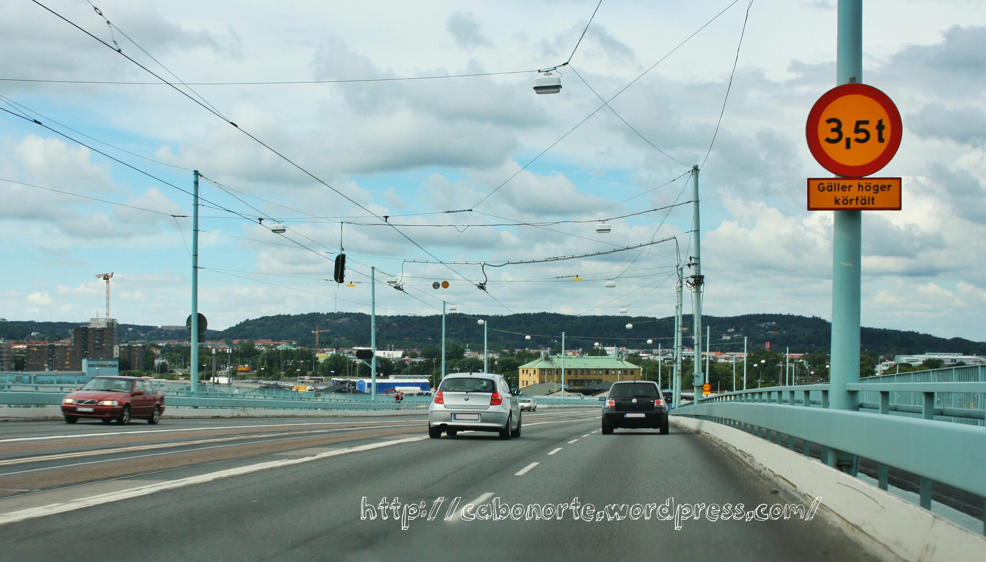 Atravesando un puente abrible en Gotemburgo, Suecia, julio 2011
