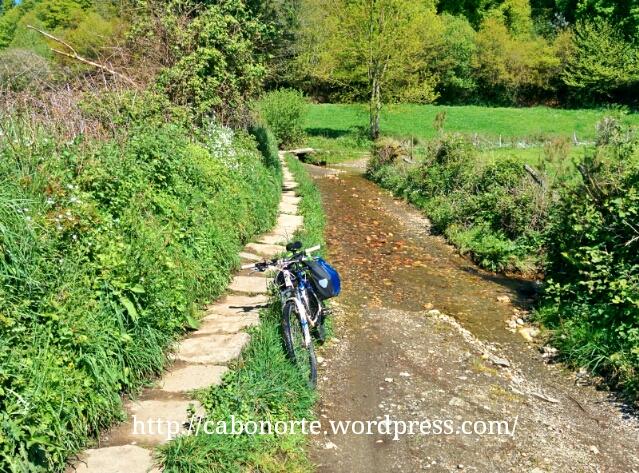 Algún tramo con agua en el Camino