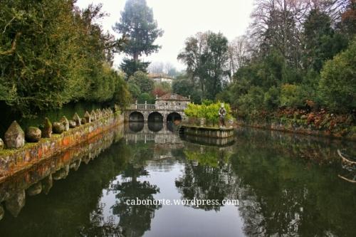 Lago nos xardíns do Pazo de Oca
