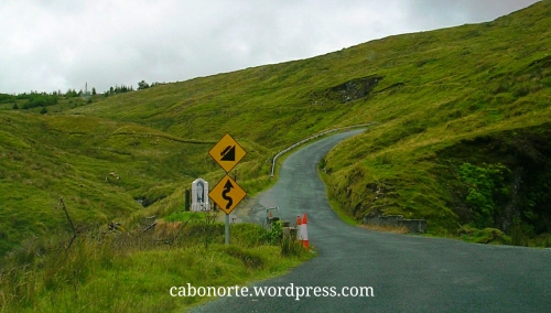 Estrada secundaria en Irlanda
